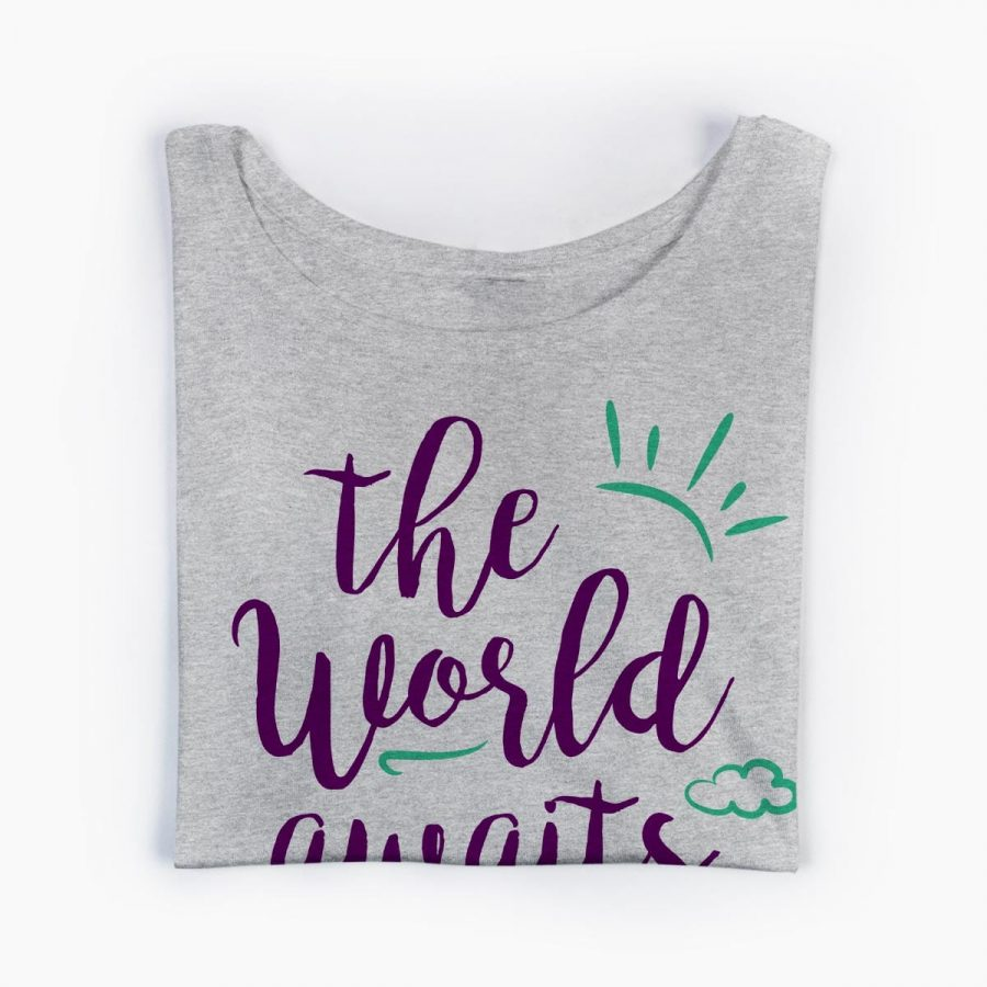 Tricou gravide The World Awaits You 5
