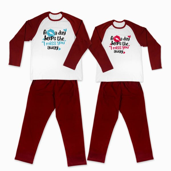 Pijamale personalizate cupluri A Kiss A Day 1