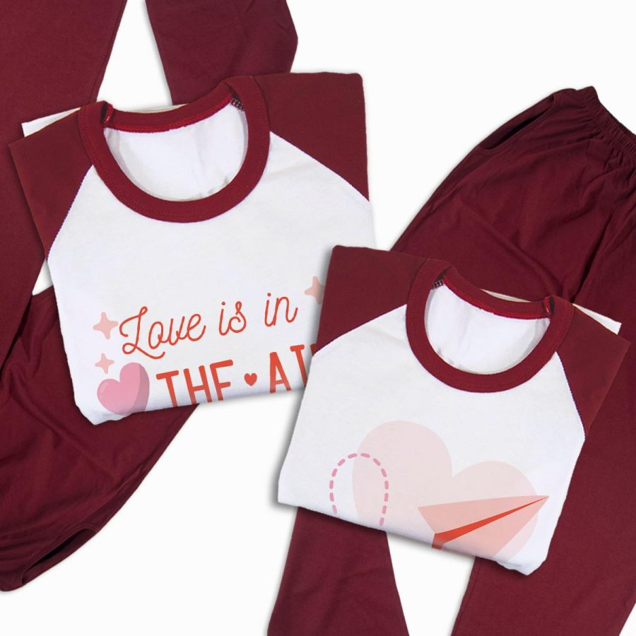 Pijamale personalizate cupluri Love is in the air 3